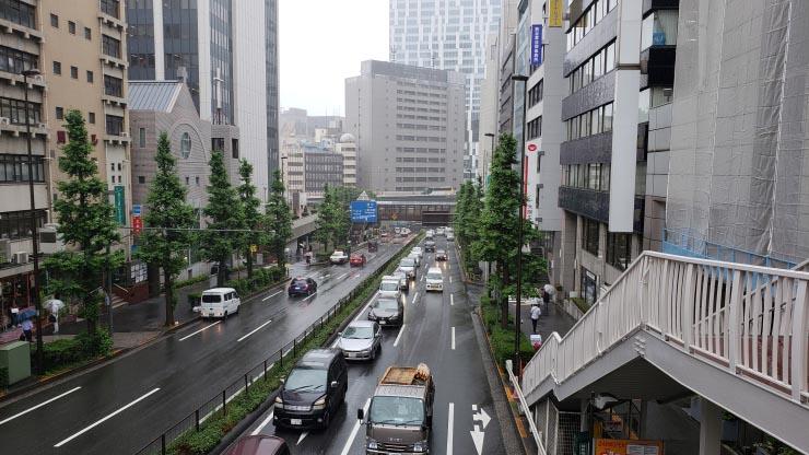渋谷の道路 雨