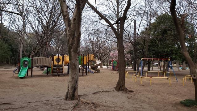 井草森公園-北口-木製遊具エリア