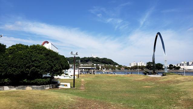 三笠公園-芝生広場-野外ステージ-20180831_095224